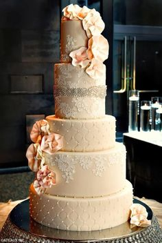 lace wedding cake with flowers