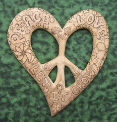 Groovy Peace and Love-Wood burned Let it Grow Hippie Peace, Hippie Love, Hippie Chick, Hippie Art, Hippie Style, Hippie Things, Hippie Shop, Happy Hippie, Peace Art