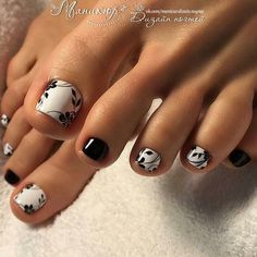 All of these nail designs and styles happen to be as easy as they are lovely. For anybody who is always searching for creative ideas and innovative designs, nail art designs are a way to display your character and also to be original. Pretty Toe Nails, Cute Toe Nails, Toe Nail Art, Fancy Nails, Nice Nails, Black Toe Nails, Black And White Nail Art, Pedicure Designs, Manicure E Pedicure