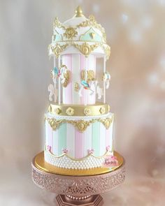 Adorable carousel cake by Kimmy Cake Pops Wedding Cake Stands, Fall Wedding Cakes, Beautiful Wedding Cakes, Wedding Cupcakes, Beautiful Cakes, Carousel Birthday Parties, Birthday Cake, Gold Birthday, Carousel Cake