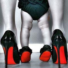 Matching mum & daughter inspiration #louboutin #coolhunting Tag your stylish friends!