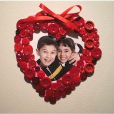 Valentine Button Frame Craft This could also be in the shape of flowers, bugs....you name it.