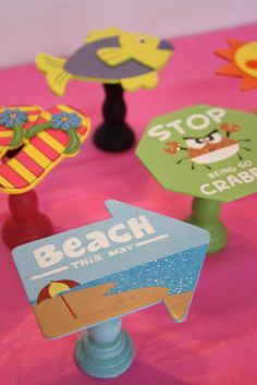 themed cupcake stands!