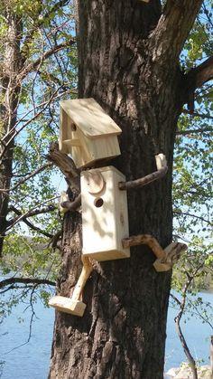 Fuglebrett og fuglekasse – Vogelhaus Bauen – Water – Rebel Without Applause Garden Crafts, Garden Projects, Wood Projects, Garden Ideas, Diy Garden, Animal Projects, Bird House Feeder, Bird Feeders, Bird Nests