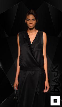 El negro  MEV se reafirma, es impetuoso, sofisticado, etéreo  y se reivindica como un color fundamental en las tendencias de moda.