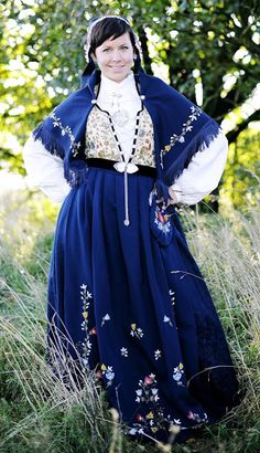 Hello all, this is part three of my overview of Norway, even if I published them out of order. This will cover the west of Norway. Folk Costume, Costumes, Bridal Crown, Norway, Pattern Ideas, Embroidery, Travel Abroad, Photography, Scandinavian