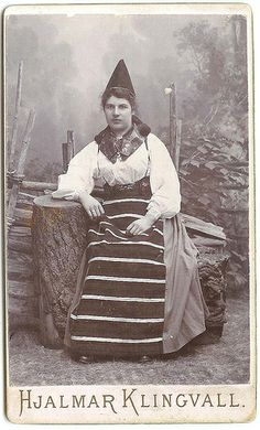 Woman in Swedish folk costume from Rättvik