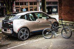 """クルマはサイクリスト、自転車乗りの""""敵""""とは限らない。ハードコアな自転車乗りである筆者が、BMWのコンパクトEV「i3」を紹介。"""