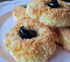 Greek Sweets, Greek Desserts, Greek Recipes, Easy Desserts, My Recipes, Dessert Recipes, Cooking Recipes, Coconut Biscuits, Chocolate Sweets
