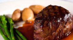 צלחת סטייק אספרגוס תפוחי אדמה (ShutterStock)