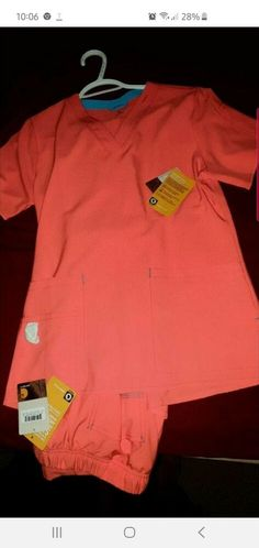 Carhartt force scrubs size s NWT coral/peach Cute Medical Scrubs, Cherokee Scrubs, Womens Scrubs, Scrub Pants, Carhartt, V Neck Tops, Black Tops, Casual Outfits, Coral