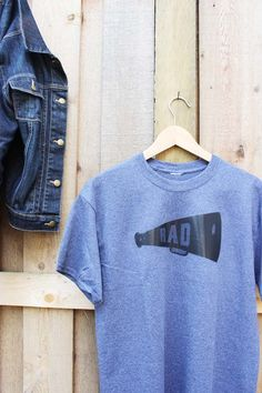 Make your rad Dad a custom tee with our FREE @bemakeful e-lesson. Template included.  Use coupon code POPPYTALKFREELESSON!