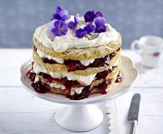 Unser beliebtes Rezept für Pflaumen-Schmand-Torte mit Mandelböden und mehr als 55.000 weitere kostenlose Rezepte auf LECKER.de.
