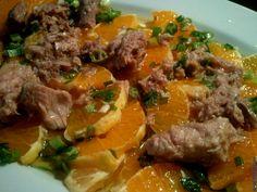 Ensalada de naranja, cebollino y atún en escabeche