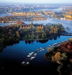 Beautiful Stockholm with all that water! The island of Djurgården in the foreground, with Nordiska Muséet, and Gamla Stan (The Old Town) behind it, with Kungliga slottet (the Royal castle) on the right.