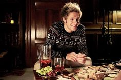 i want a guy who will look at me with as much love and admiration as niall did in this video