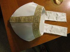 Easy Pope Costume (optionally No Sew!): 5 Steps