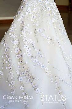 Carolina Herrera Wedding Dress #Ecuador #winterhalter #myweddingdress