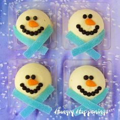 I made a batch of these Mini Cheesecake Snowmen for my cheesecake loving family over Thanksgiving weekend and served them for dessert. I wanted to get. Christmas Cheesecake, Christmas Desserts, Christmas Treats, Christmas Cookies, Christmas Recipes, Edible Crafts, Food Crafts, Winter Treats, Snowman Crafts
