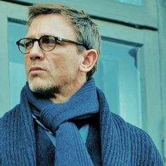 Daniel Craig looking warm and rather bookish.