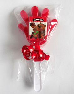 Klaphandje met rozijntjes Birthday Candles, Presents, Gifts, Favors, Gift
