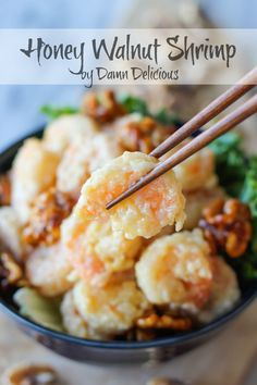 Honey Walnut Shrimp - Budget-friendly crispy battered shrimp tossed in a creamy, sweet mayonnaise mixture, topped with caramelized walnuts! Via Damn Delicious Yummy Recipes, Fish Recipes, Seafood Recipes, Asian Recipes, Cooking Recipes, Yummy Food, Cookbook Recipes, Tasty, Recipies