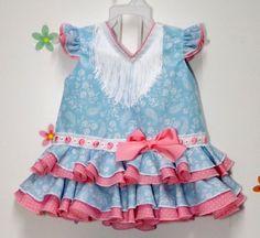 Traje de gitana flamenca para niña realizado a mano realizado a mano por nuestras propias modistas. Consulta nuestra tienda online www.mibebesito.es Summer Dresses, Womens Fashion, Kids, How To Wear, Manga, Baby, Baby Dresses, Fashion Plates, Baby Models