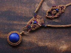 lapislazuli necklace