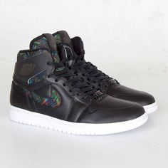 online store 8801a e2a68 Jordan Air Jordan 1 Retro High NOUV BHM Men Black Sneakers UK 8 US 9 EUR  42.5  Nike