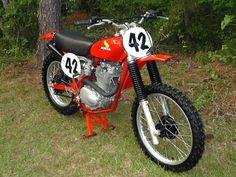Mx Bikes, Motocross Bikes, Vintage Motocross, Cool Bikes, Honda Dirt Bike, Honda Motorcycles, Cars And Motorcycles, Vintage Bikes, Vintage Motorcycles