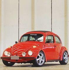 Vw Super Beetle, Beetle Car, Volkswagon Van, Vw Gol, Beach Buggy, Old Classic Cars, Vw Cars, Cute Cars, Vw Beetles