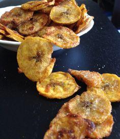 2 plantains 2 TBS olive oil 1 tsp garlic powder 1/2 tsp paprika 1/2 tsp cumin 1/4 tsp cayenne pepper 1/2 tsp salt