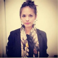 Kristin Kreuk always looks so fresh and unique! Love her style. #BATB