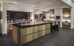 Een handgemaakte keuken die aansluit bij uw wensen? Bij Keukenstudio Maassluis bent u aan het juiste adres voor een op maat gemaakte keuken ✔ Hollands Maatwerk ✔ Keuken op maat