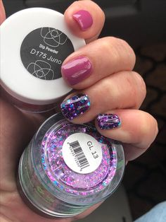Revel D175 Juno with SNS GL 13 (one dip of glitter with one dip clear powder on top)