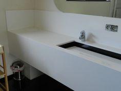 lavabo opgedikt met waskoker