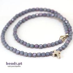 Fire polished beads with zamak pendant