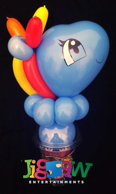 Rainbow Dash My Little Pony balloon candy cup My Little Pony Balloons, Sweetie Cones, Balloon Modelling, Disco Party, Rainbow Dash, Party Bags, Balloon Decorations, Smurfs, Cups