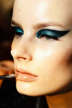 teal winged shadow at atelier versace fall 2014
