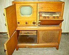 1948 Blonde RCA Victor 730tv2. TV/radio/phonograph combination