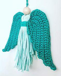 @DLThandmade #madewithlove #homedecor- crochet angel wings- size 30 cm - cotton yarn & wood head Angel Wings, Merino Wool Blanket, Ds, Centre, Zipper, Crochet, Wood, Cotton, Handmade