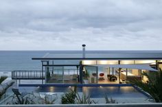 Stunning Hillside Home by Pete Bossley Architects - Wave Avenue