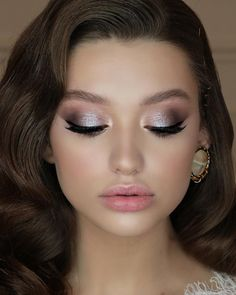 Amazing Wedding Makeup Tips – Makeup Design Ideas Beach Wedding Makeup, Wedding Makeup Tips, Bridal Hair And Makeup, Bride Makeup, Wedding Hair And Makeup, Bridal Makeup Tutorials, Bridal Makeup For Brunettes, Maquillage Or Rose, Maquillage Goth