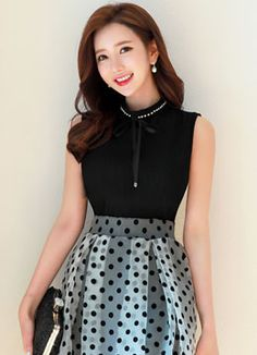 Ribbon wrinkle Sleeveless blouse, style Tami