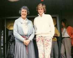 1986 Princess Diana with enthusiastic artist and gardener, Veronica Milner, widow of Desmond Fitzgerald. It was taken during the princess's visit to Milner Home at Qualicum Beach during the celebrations for Expo 86 in Canada Diana, Princess of Wales 1961-1997