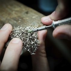 "Jewelry work, work on the gold structure of the Van Cleef & Arpels Lagune Précieuse necklace, ""Seven Seas"" High Jewelry collection."