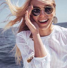 Ray-Ban round #sunglasses http://www.smartbuyglasses.co.uk/designer-sunglasses/Ray-Ban/Ray-Ban-RB3447-Round-Classic-001-102731.html: