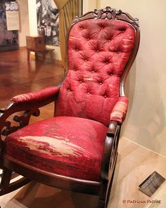 Assassination Chair of President Abraham Lincoln. I find historical artifacts like this so fascinating. Uk History, Mystery Of History, World History, American History, Abraham Lincoln Family, Mary Todd Lincoln, American Presidents, American Civil War, Black Presidents