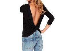 Blusa negra de manga larga con espalda al descubierto