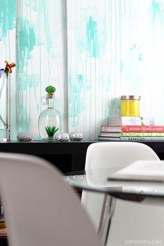 Como crear un efecto de acuarela con pintura en paneles de madera o simplemente crear la textura directamente sobre las paredes de tu hogar. | LiveColorful/es